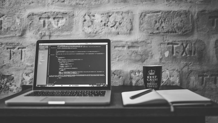 Vantagens de usar PHP como linguagem primária